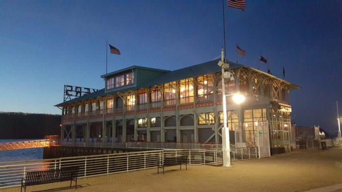 8. Xaviars on the Hudson - Yonkers