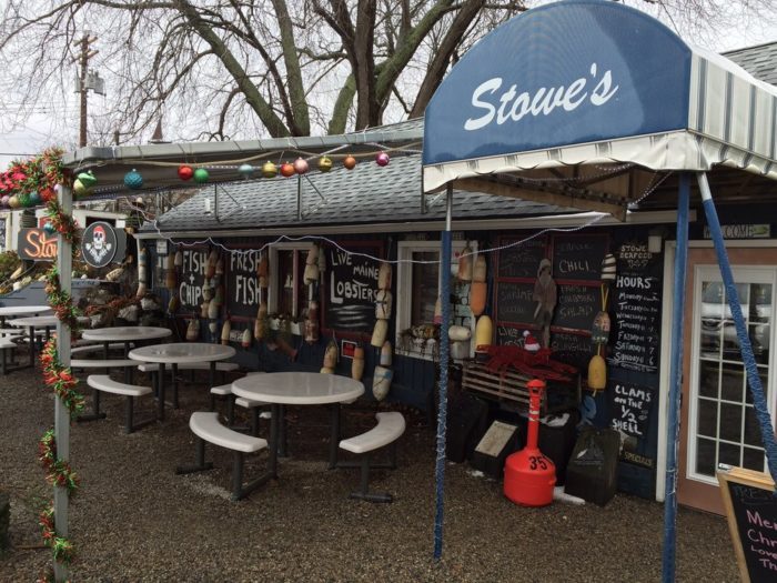 7. Stowe's Seafood (West Haven)