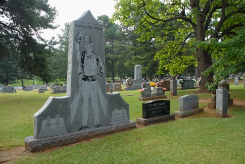 This one is the grave of ringmaster John Strong.