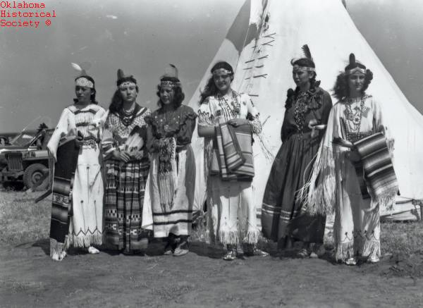 10.Women at the American Indian Exposition in Anadarko, Oklahoma, 1947.