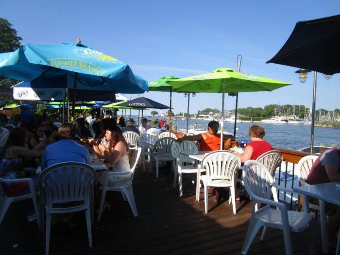 6. Pelican's Nest Restaurant - Rochester