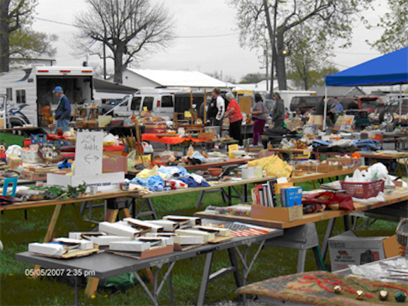 2. Tiffin Flea Market