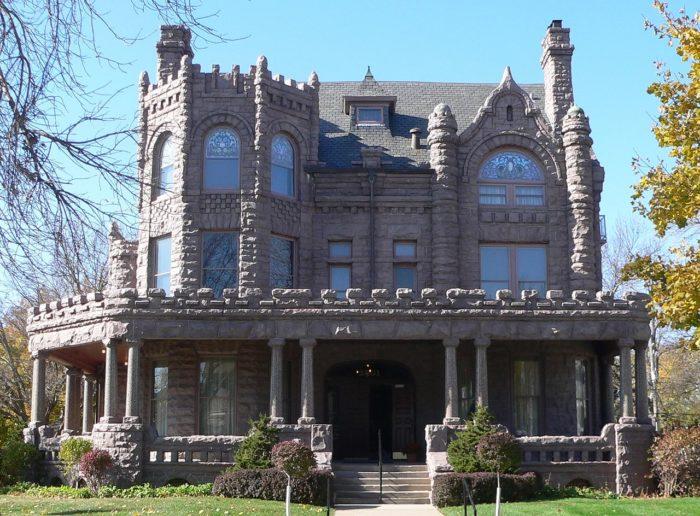 3. Pierce Mansion, Sioux City