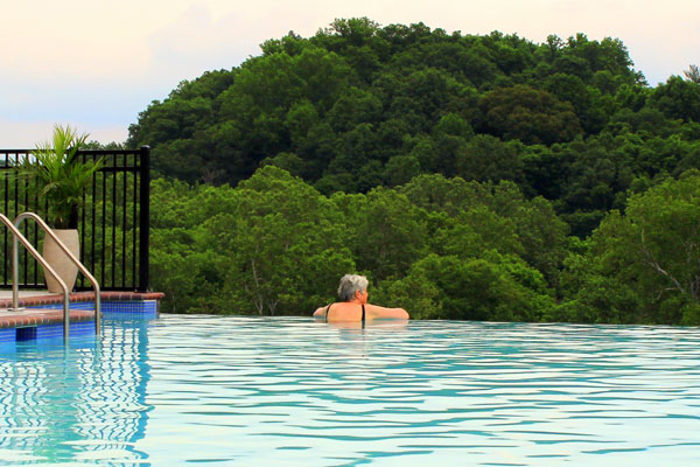 You can swim right up to the pool's edge, and look out over the river.