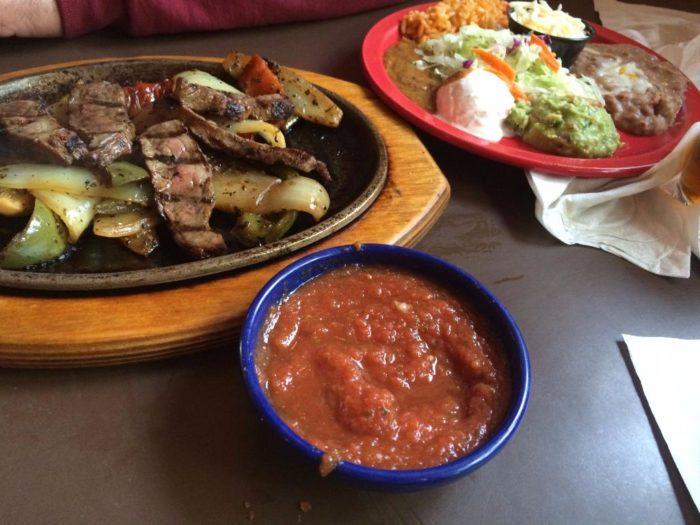 roadhouse-mexican-bar-1