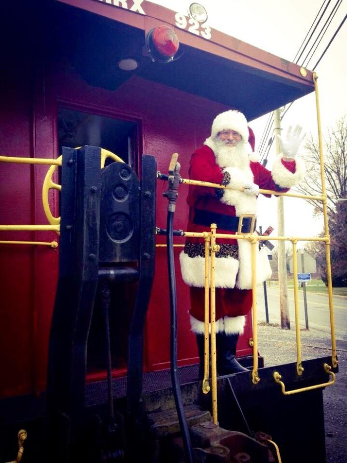 Or visit during the holidays, where you can meet Santa. Hot chocolate and cookies are served immediately after the trip.