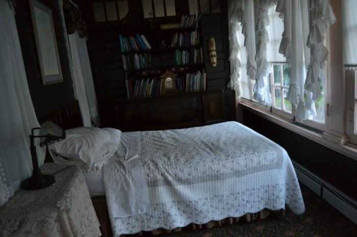 James Shanley's sister-in-law Esther lived at the hotel; she died of influenza in 1918. Her spirit is said to haunt the second floor.