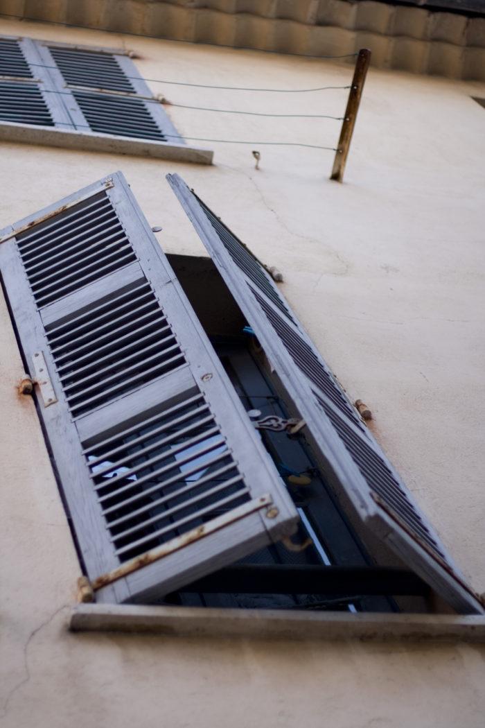 shutters-4310256030