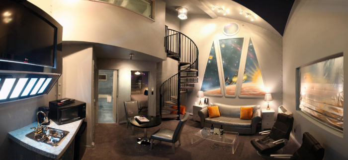 Below, you can see panoramic views of The Final Frontier room, made to please any Star Trek fan!