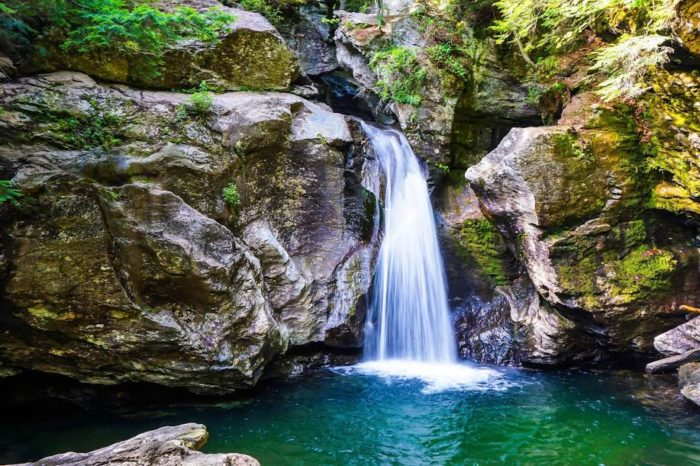 Lake Elmore Vt >> This Natural Wonders Road Trip Will Show You Vermont