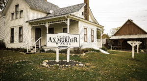 Spend The Night At This Terrifying Ax Murder House In Iowa… If You Dare