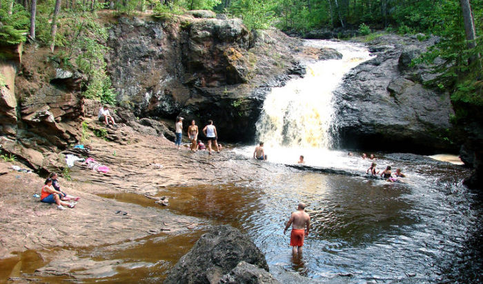 3 wisconsin waterfalls you can swim in - Washington park swimming pool milwaukee ...