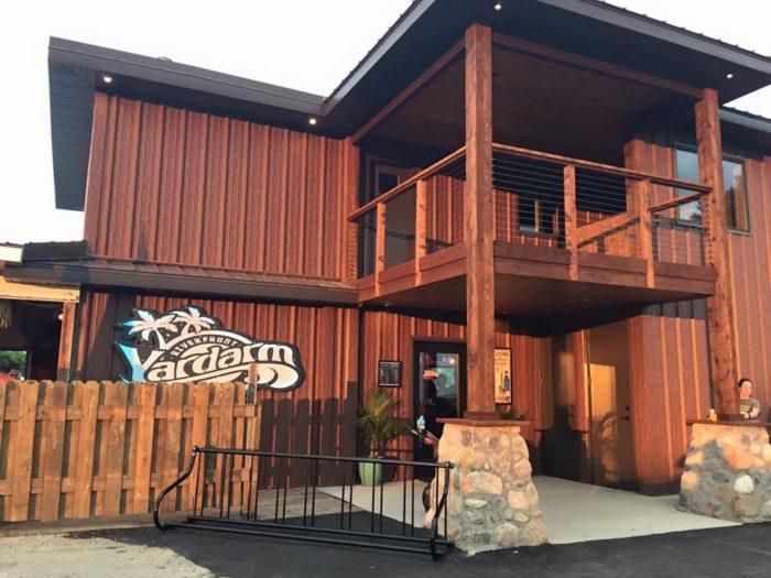 10. Yardarm Riverfront Bar & Grill, Dubuque