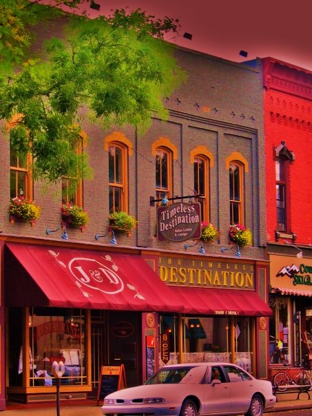 Head back to downtown Wellsboro for a relaxing meal at one of the restaurants, like the Timeless Destination Restaurant or the Dumpling House, on Main Street.