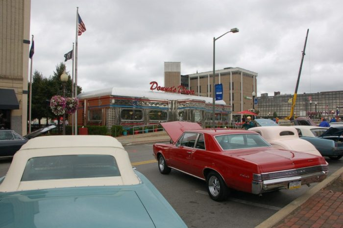 Your blast from the past may begin before you even step foot in the diner if you're lucky enough to catch sight of a 50s car.
