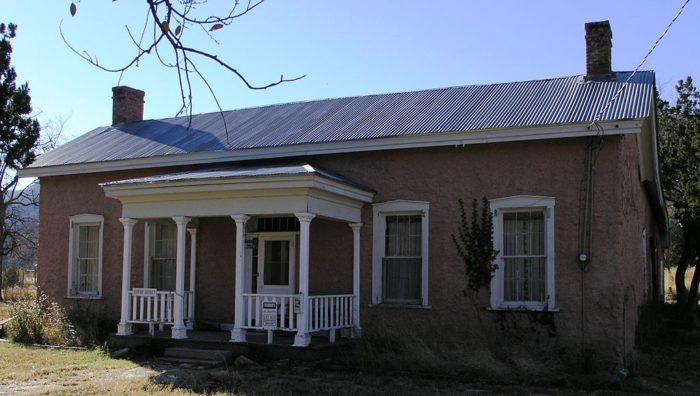 1024px-Old_Dolan_Home_in_Lincoln,_New_Mexico