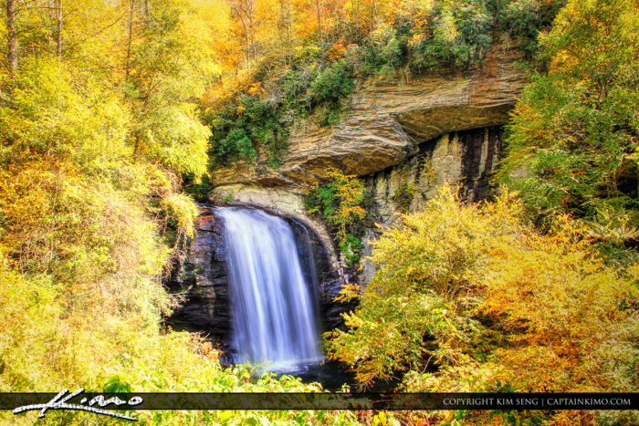 Fall Foliage Road Trip Through North Carolina Mountains