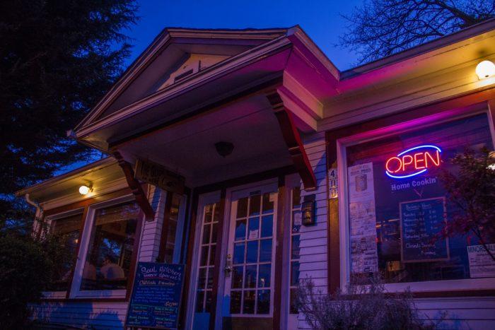 1. Papa's Soul Food Kitchen, Eugene