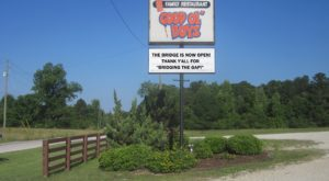 This Remote Restaurant In Alabama Will Take You A Million Miles Away From Everything
