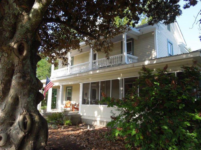 7. Magnolia House & Gardens Inn - Clover, SC