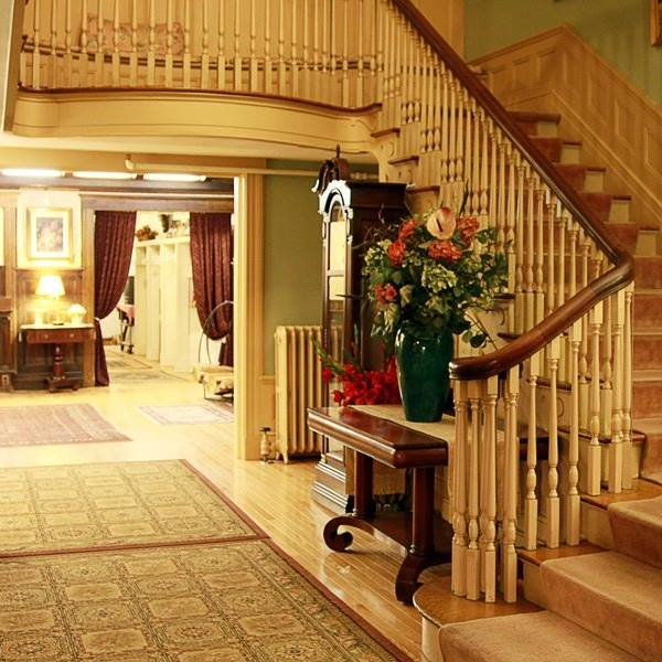 The inn offers lodging, dining and more.