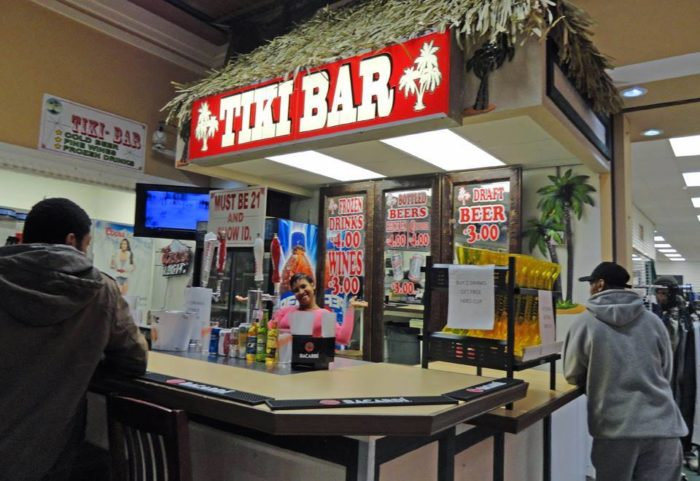 Even better? There's also a tiki bar to quench your thirst. Now that's what I call a fabulous flea market experience.