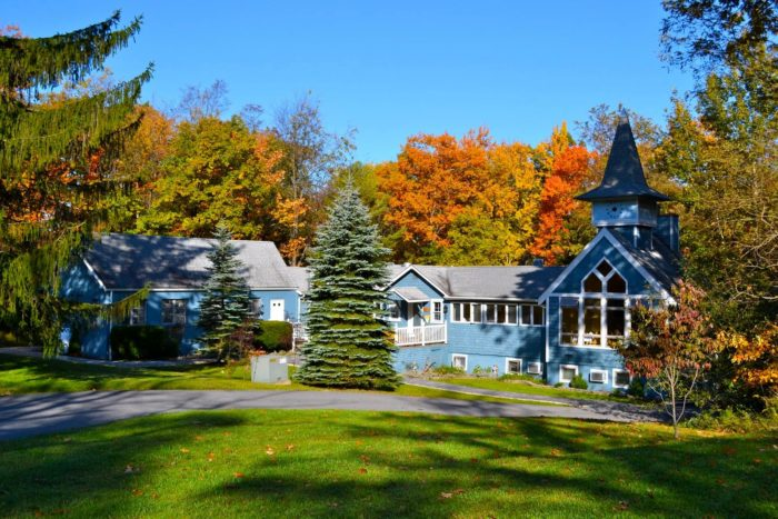 The only thing that can make this perfect trip even more appealing is staying at the inn during autumn.