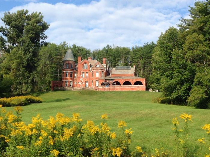 Set on 115 acres of grounds, the Wilson Castle was built in 1867 and has 32 rooms on 3 stories.
