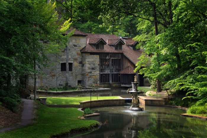 Visit The Enchanted Castle Mcculloch In North Carolina