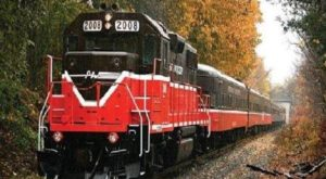 Take This Fall Foliage Train Ride In Rhode Island For A Truly Magical Experience