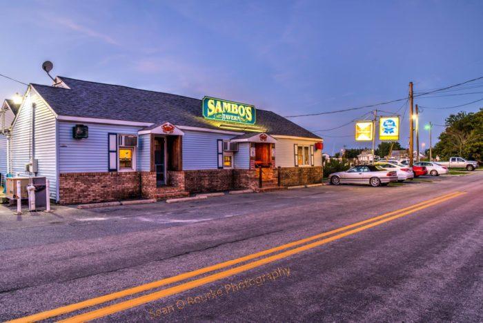Central Sambo's Tavern, Leispic
