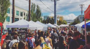 Everyone In Washington Should Visit This Epic Flea Market At Least Once