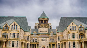 A Terrifying Tour Of This Haunted Prison In Ohio Is Not For The Weak