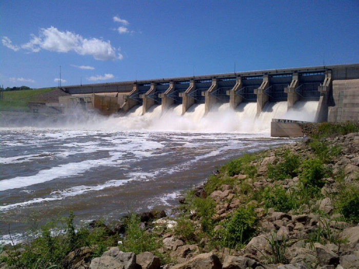 Another stunning sight to enjoy along the route is Kaw Lake, located just north of Highway 60. The dam is over 10,000 feet long and stands at over 120 feet above the riverbed below.