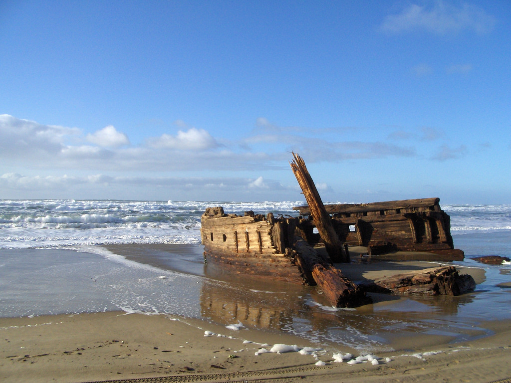 Not Many People Know About This Mysterious Shipwreck In Oregon