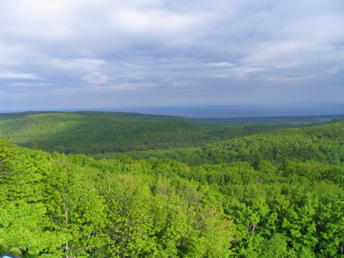 Between September and November every year, the trail offers unparalleled views of the Porcupine Mountains and an abundance of breathtaking scenery.
