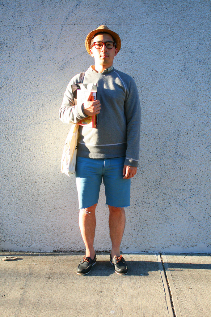 3. Wear shorts and a sweatshirt – together.