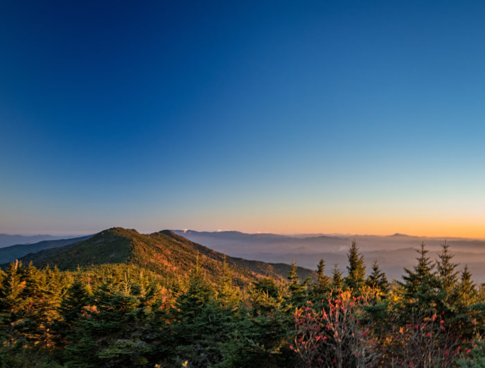Will See Peak Colors For The Highest Elevations In The Blue Ridge Hikers And Passerbys To Mount Mitchell Can Enjoy A Slightly Early Fall Leaf Season