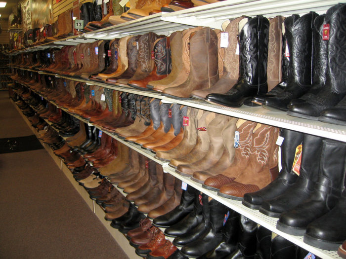 10. Learn that cowboy boots + hats denote tourists.