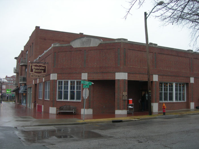 8. Pancake Pantry changed the vibe of Nashville breakfast after its opening in 1961.