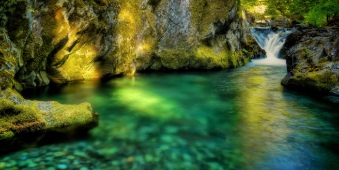 Nearby, you'll find the jawdropping Opal Pool; an enchanting, turquoise swimming hole fed by a majestic little waterfall.