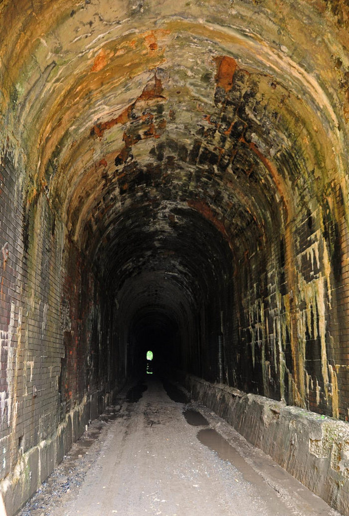 People who walk through the tunnel have experienced strange activity.