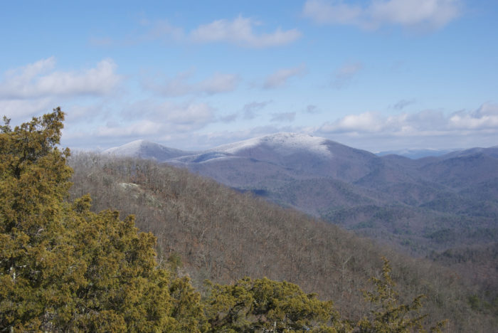 This is why Blood Mountain draws all different types of hikers to the mountain peak; the views are like no other.