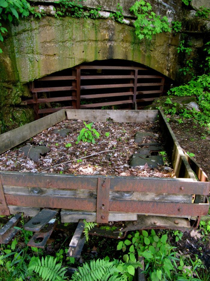 Old mining equipment can still be seen.