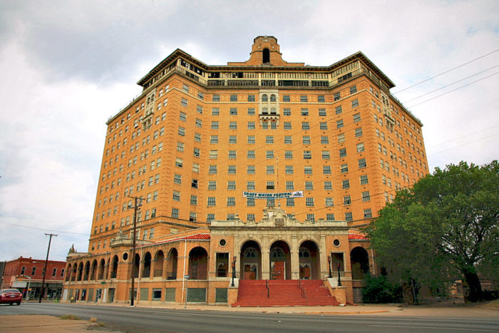 2. Baker Hotel (Mineral Wells)