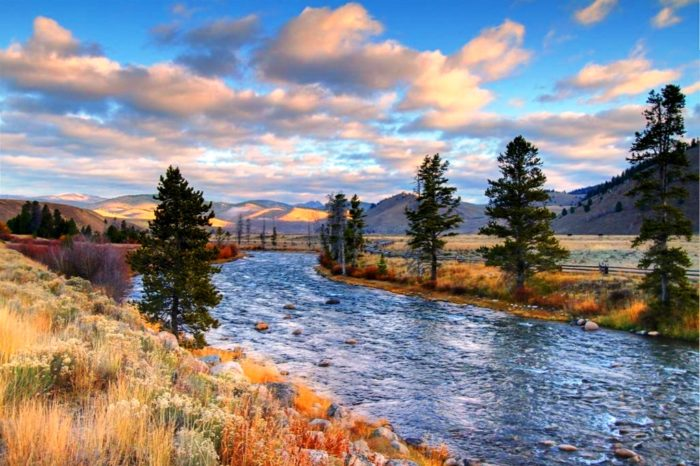 6. Stanley and the Ponderosa Pine Scenic Byway