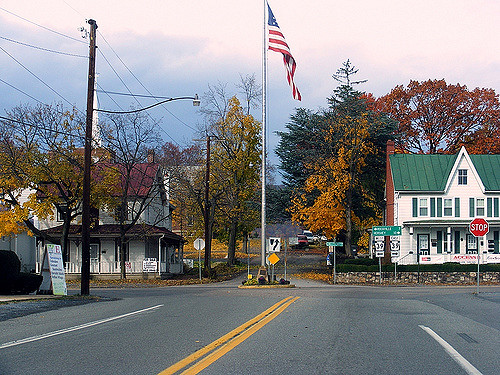 Start in the picture perfect town of Linglestown and merge onto PA Route 39 for the nearly 20 minute drive into Harrisburg.  Enjoy spectacular views of the fall foliage along the way.