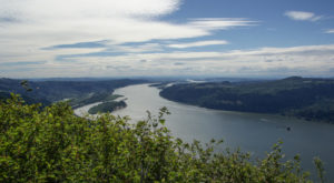 This Spectacular 5 Mile Hike In Oregon Offers Unbeatable River Views