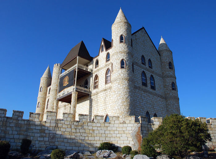 The castle is ideal for weddings and celebrations.