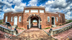 The Story Behind This Haunted Fort In Maryland Is Truly Creepy